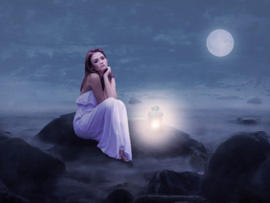luna ragazza romantico