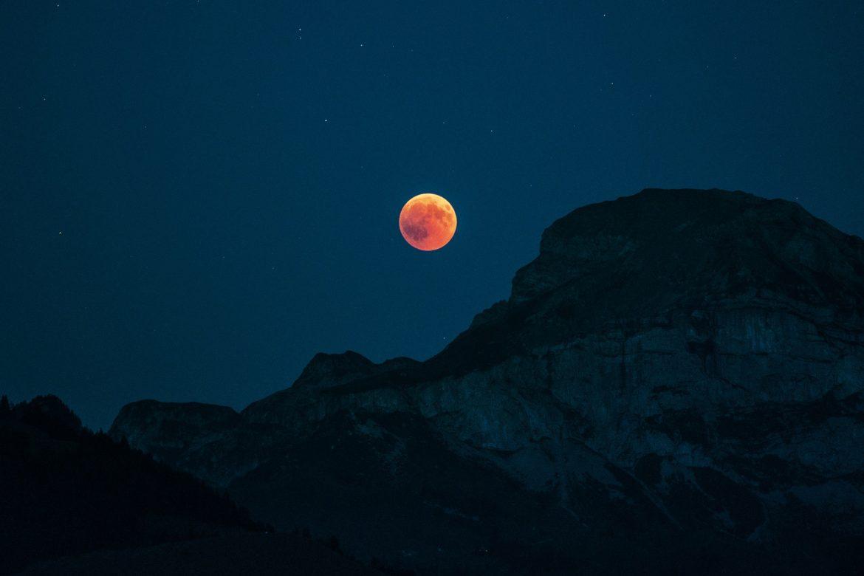 Luna Rossa, l'eclissi totale più suggestiva del 2019