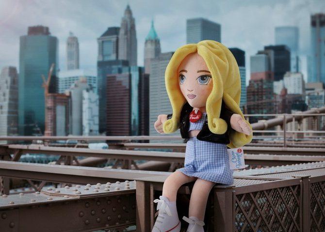 Chiara Ferragni diventa una bambola per un progetto speciale