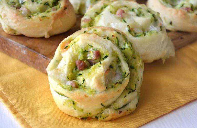 sfogliate salate alle zucchine
